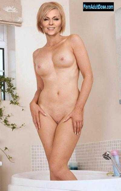 Голая Ксения Суркова